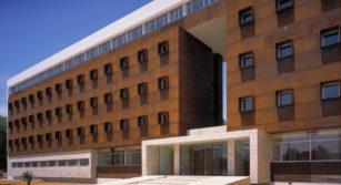Edificio residencia universitaria el doncel
