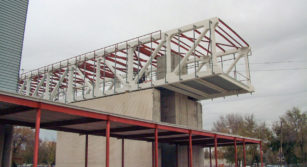 Estructura metalica sobre estructura de hormigon